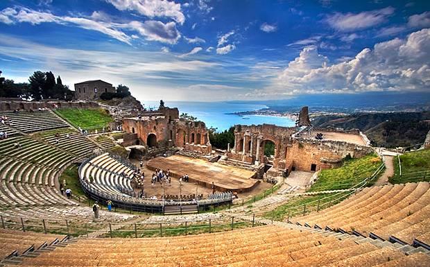 Sweeping-image-Taormina